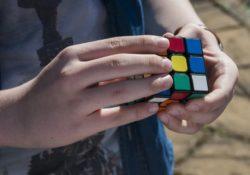 Geni eller ej, alla kan lösa en Rubiks kub